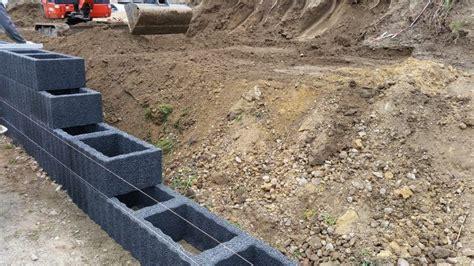 gartenmauer ohne fundament mit pflanzsteinen eine mauer bauen hochbeet mauer bauen gartenblog und pflanzstein