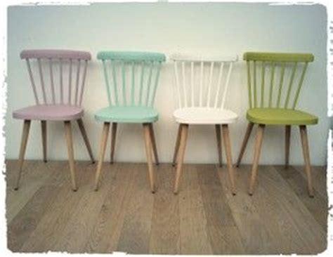 repeindre chaise en bois les 25 meilleures idées concernant repeindre les meubles
