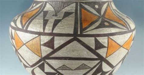 Early 20th Century Zia Pueblo Early 20th Century Indian Acoma Zia Pottery Large
