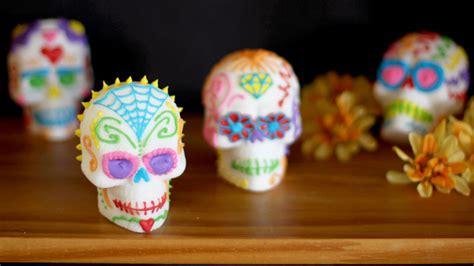 How to Make Sugar Skulls (Calavera de Azúcar) Recipe ...