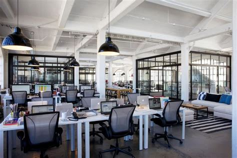 Cool Startup Tech Office Of The Week Kayak by 11 Best Small Office Images On Offices Office