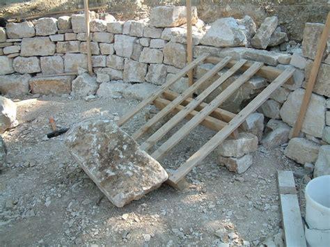 b 226 tir construire un mur un pierres s 232 ches mur en pierres seches 82 jpg jpg