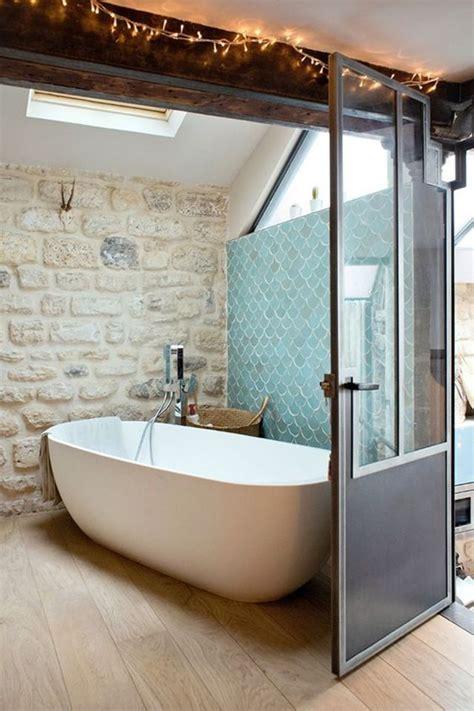 salle de bains des rev 234 tements muraux tendance c 244 t 233 maison