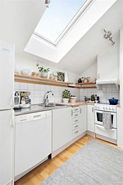 Küche Dachgeschoss Ideen by Dachgeschosswohnung K 252 Cheneinrichtung Dachschr 228 Ge Deko