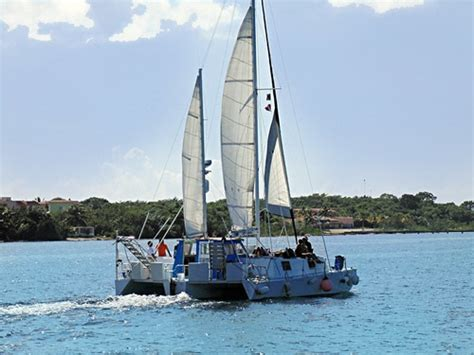 Cozumel Catamaran Snorkeling Tours by Best Cozumel Catamaran Sail And Snorkel Excursion