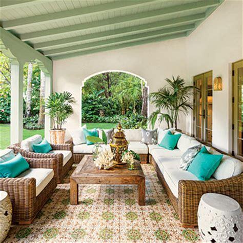 Spanishstyle Luxurious Loggia  Magnificent Miami Garden