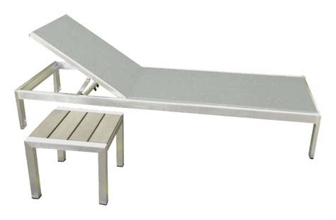 chaise exterieure modern brushed aluminum and simulated teak wood lounge