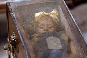 Century-Old Sicilian Mummy Blinks at Visitors [VIDEO ...
