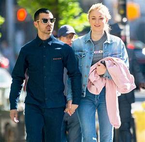 Sophie Turner Opens Up About Dating Joe Jonas