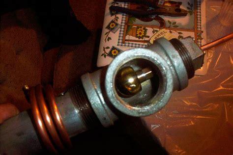 Эффективный подогрев топливного фильтра дизеля своими руками с помощью подручных средств .