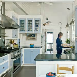 subtle themed kitchen 20 beautiful cottages coastal living