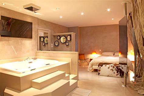 hotel avec bain a remous dans la chambre fabriquer une estrade pour lit meilleures images d