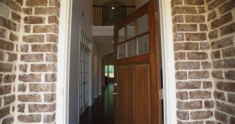 open door homes fashion stockvideos filmmaterial