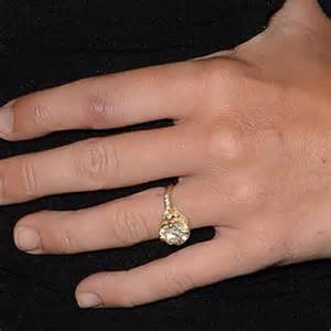 miley cyrus engagement ring best dressed at the 2016 grammys magazine