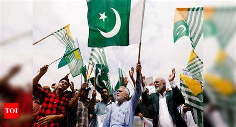 'Kashmir Hour' observed at noon across Pakistan - Times of ...