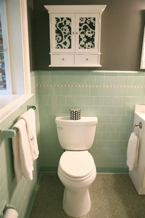 Bathroom Colors That Go With Grey by Crisp Color Combo Green Pale Gray New House