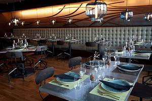 Restaurant pendant lighting installations that look good