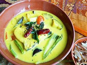 Fish Sothi (Sri Lankan Yellow Fish Curry)