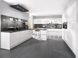 Weiße Arbeitsplatte Küche : k che in wei wohnland breitwieser ~ Sanjose-hotels-ca.com Haus und Dekorationen