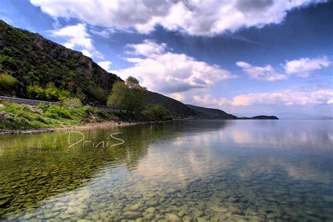 Liqeni i Ohrit   Perpunuar ne HDR me kontrast.   Drini ...