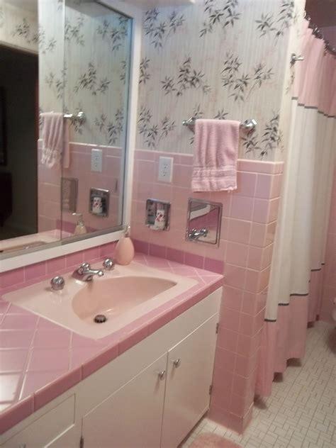 Vintage Bathrooms Designs by Vintage Bathroom Tile 171 Photos Of Readers Bathroom