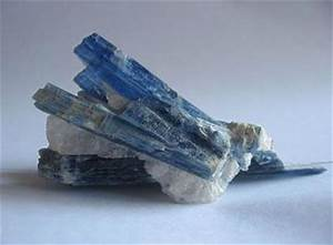 Kyanite Mineral | Uses and Properties