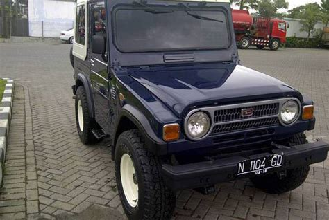 dijual mobil bekas surabaya daihatsu taft 1985