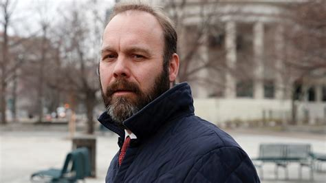 Rick Gates sought help from Israelis to create fake Internet identitiies