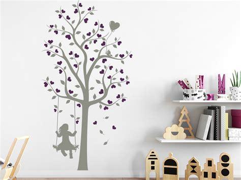 Wandtattoo Kinderzimmer Mädchen Baum by Wandtattoo Baum Mit M 228 Dchen Und Herzen Wandtattoo De