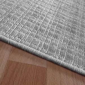 Tapis Sur Mesure : tapis sur mesure en viscose carreaux gris clair rectangulaire ou carr ~ Medecine-chirurgie-esthetiques.com Avis de Voitures