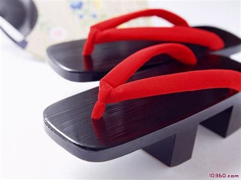 Japanese-shoes-japanese-wooden-shoes-traditional-japan