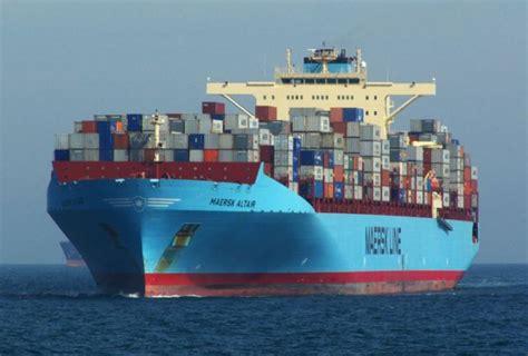 record  trieste  larrivo della maersk altair shipshore