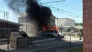 Amarillo fire crews battle two-vehicle fire | KVII