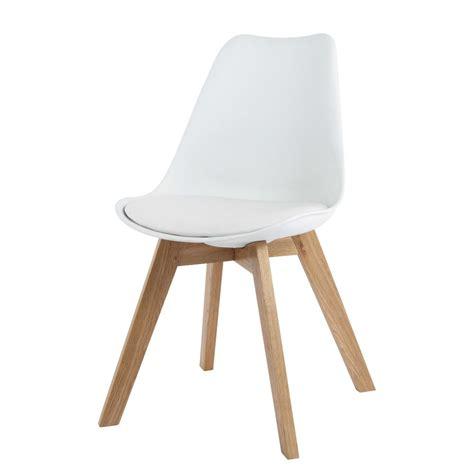 chaises maisons du monde chaise en polypropylène et chêne blanche maisons du