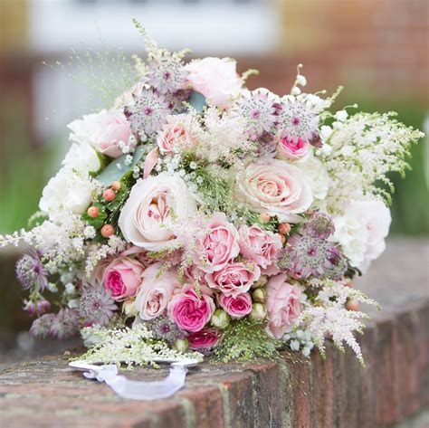 romantic bouquet white cloud