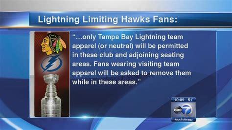 foto de Company makes alternative t shirt for Blackhawks fans at
