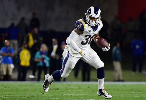 rams give rb todd gurley record  extension cbs los