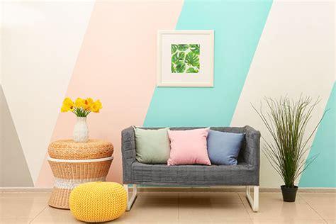 Kreative Wandgestaltung Mit Formen, Streifen Und Muster