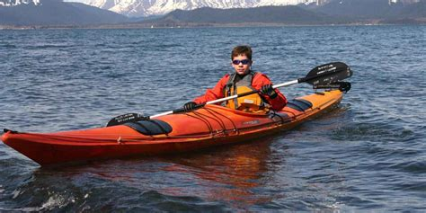 Kayak Boats Pictures by 10 Best Kayaks For Beginners Best Beginner Kayak