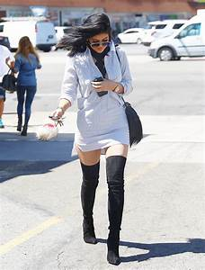 [PIC] Kylie Jenner's Thigh-High Boots: Her Sexy Look After ...