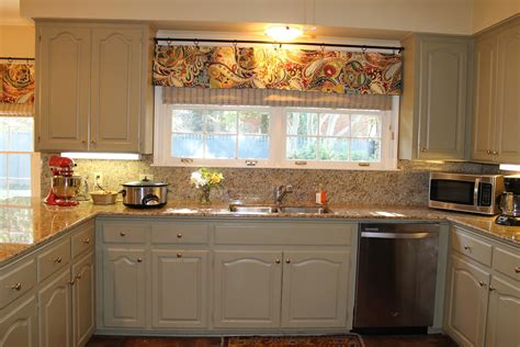Kitchen Valance by Seamingly Smitten How To Sew A Kitchen Valance Mini