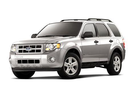 Ford Recalls 914,000 Escape, Explorer Suvs For Power