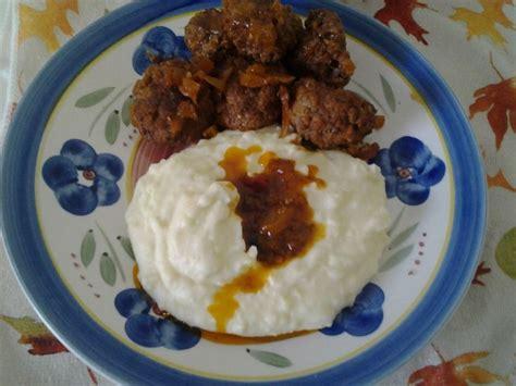 Puré de patatas, puré de patatas masculine, singular. Fixed plate! Homemade Mashed Potatoes with Zesty Lemon, Gravy Spanish Style Sauce, Puerto Rican ...