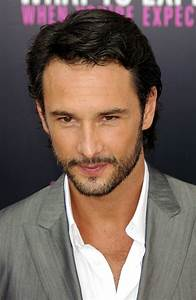 Rodrigo Santoro Age, Weight, Height, Measurements ...