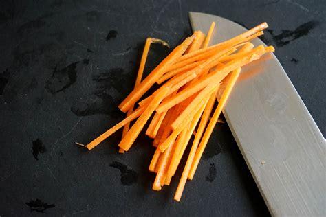 cuisiner des carottes vidéo tailler une carotte en julienne