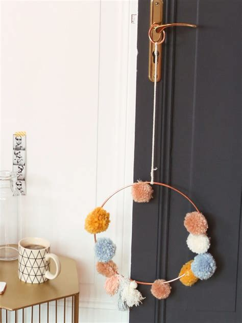 une chambre boheme ponctuee de couleurs joli place