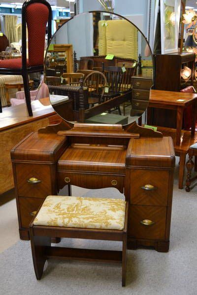 30146 my used furniture better this one is in better shape than my small vanity but i ve
