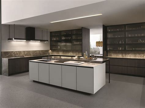 lacquered kitchen with island with integrated handles