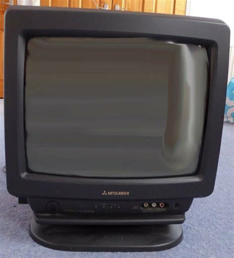 Mitsubishi Tv by Mitsubishi 14 Inch Portable Tv Free To Collect In West