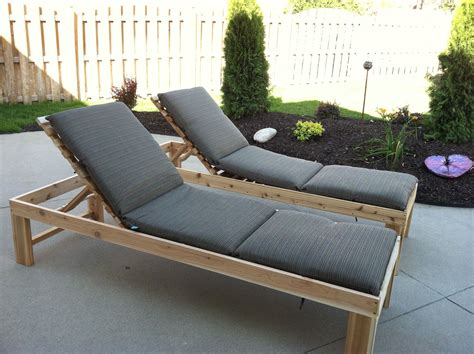 chaise longue palette white outdoor chaise lounge diy projects